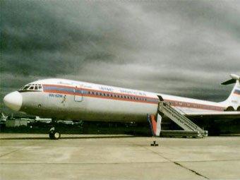 Из-за снегопада в Петербурге не смог приземлиться самолет