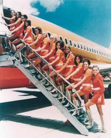 Стюардессы Ryanair разделись для календаря