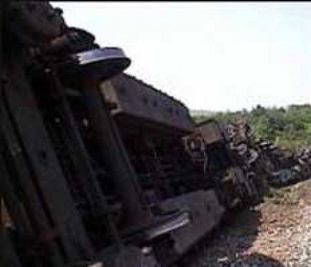 Столкновение двух грузовых поездов в Испании парализовало движение по основной магистрали страны