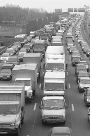 Транзитным грузовикам запретят въежать в Киев