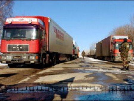 Осенью из Петербурга изгонят все транзитные грузовики