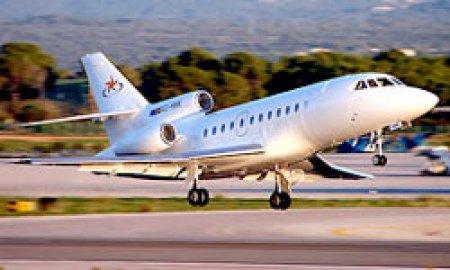 Самолет Falcon премьера Франции едва избежал столкновения с другим самолетом