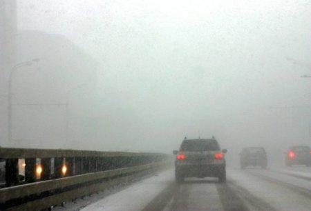 На дорогах Венгрии серьезные проблемы из-за снегопада