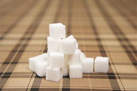 """'Пищевики' просят правительство понизить пошлины на сахар, """"сахарники"""" против"""