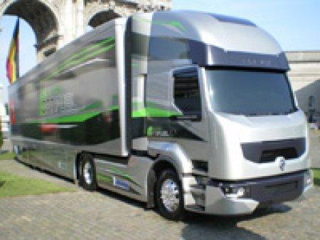 Renault Trucks представила экологичные модели грузовиков